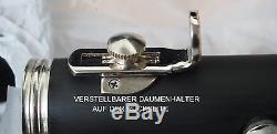YAMA. Klarinette 21/22Klappen deutsches System Holzstruktur, sofort spielbar